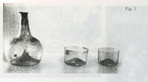 figura 1) Bottiglia e Bicchieri, Parigi, Collezione J. Barrelet