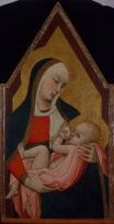 Fig.4, Ambrogio Lorenzetti, Madonna che allatta il Bambino, tempera e oro su tavola, cm. 90 x 48, Siena, Museo diocesano di San Bernardino. Dalla chiesa dell'eremo agostiniano di Lecceto